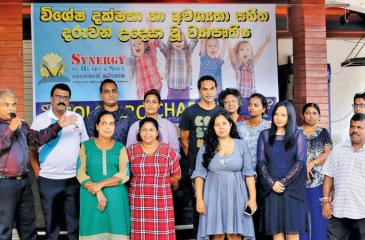 The differently talented children with Colombo Chapter officials