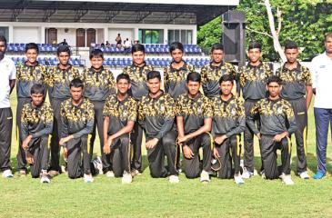 The DS Senanayake College team: Standing from left -Sujeeva Priyadarshana (assistant coach), Sineth Peiris, Chathuka Piyumsara, Poorna Sulakshana (captain), Hemeth Abeywardene, Methul  Gammanpila, Chinthana Erandaka, Chenul Pinsara, Tharindu Udana, Nimantha Peiris (head coach). Seated from left- Dinal Pathirana, Sharada Wettasinghe, Akila Perera, Amaan Zahid, Thisal Munasinghe, Sachintha Kaveeshwara and Hansana Randes