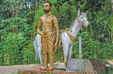 HEROIC FIGURE: The view of majestic looking statue of Prince Veediya Bandara and his horse at the temple ground