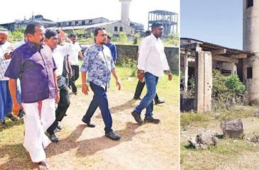 Small and Medium Business and Enterprise Development, Industries and Supply Chain Management Minister Wimal Weeravansa, former Deputy Minister Vinayagamoorthy Muralitharan and other officials visiting the Valaichchenai National Paper Mill