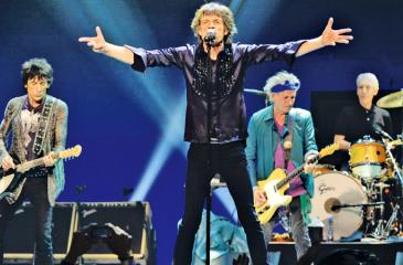Mick Jagger shows no sign of old age on stage