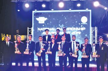 National champion riders after receiving their Awards pose for a picture with the President of the FMSSL Chamikara Oilapitiya (extreme left), Stephan Fernando, Kavindu Dushan Mudalige, Nipun Dilanka, Hansika Abeysinghe, Jacqes Gunewardena, Deshan Solanki, Kesara Godage, Madura Peiris and back row riders who reached the podium at the Asia Cup meet Rithmika Prashan, Nikila Pathirage and  Vinula Pathirage