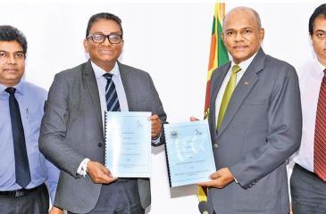 From left: Janaka Abeysinghe (Chief Enterprise & Wholesale Officer/SLT), Kiththi Perera (CEO/SLT), Gen. Daya Ratnayake (Chairman /SLPA), W.S. Weeraman (MD/SLPA).