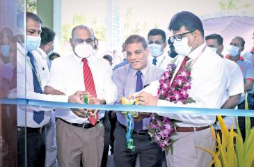 The new HNB Finance premises in Puttalam