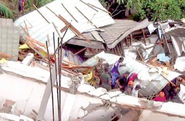 The house after collapse  Pic credit Asela Kuruluwansa