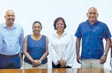 From left: Shalin Balasuriya,  Prajeeth Balasubramaniam, Ms. Achala Samaradivakara, Ms. Randhula de Silva, Imal Kalutotage and  Chandula Abeywickrama.