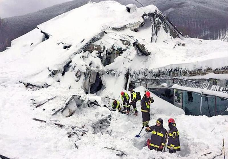 Thirty people still missing at Italian hotel buried by massive avalanche