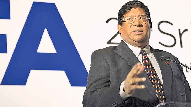 Ravi Karunanayake addressing Summit in Hong Kong