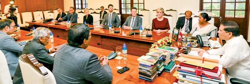 Australian Foreign Affairs Minister Julie Bishop and the team in discussion with the President and senior officials.
