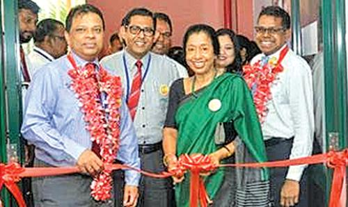 Picture shows HNB Board Director, Rose Cooray opening the bank's new Centre of Aspiration together with HNB Managing Director/CEO, Jonathan Alles, Chief Operating Officer, Dilshan Rodrigo, Chief Risk Officer/Assistant General Manager – Risk, Damith Pallewatte, Chief Human Resource Officer/Deputy General Manager – Human Resources, Chiranthi Cooray and Manager – Centralized Collection, Piyakara Jayarathne.