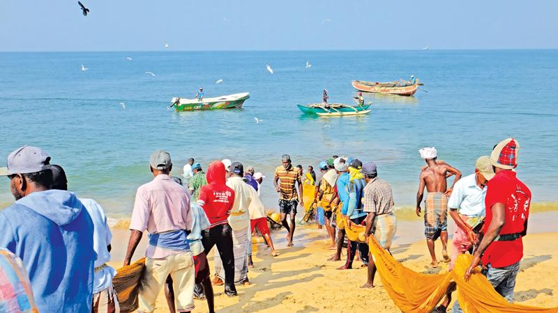 The turquoise sea, and golden beaches of Udappu: Beckoning with love