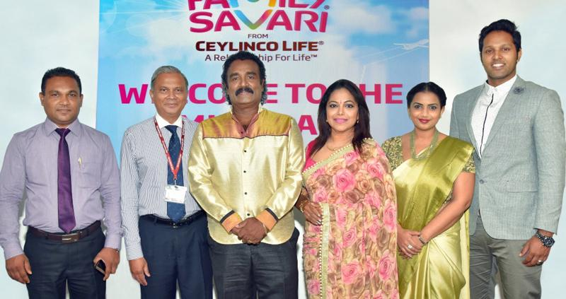 Ceylinco Life's Director/Deputy CEO Thushara Ranasinghe (second from left) with the four Family Savari ambassadors and a representative of the Western Province Revenue Department, at the mid-promotion draw.