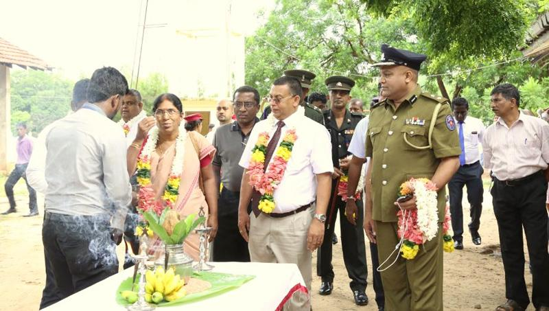 Chairman of the David Pieris Group Welfare Committee and DPMC General Manager Jayantha Ratnahayake and other guests are welcomed at Vidyananda College, Mullaitivu.