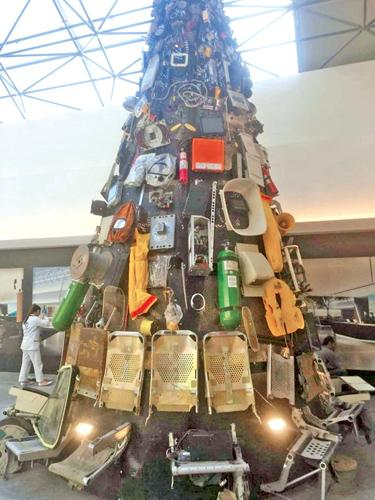 Christmas Tree Recycled Materials Big.Beirut Airport Forced To Take Down Monstrous Garbage