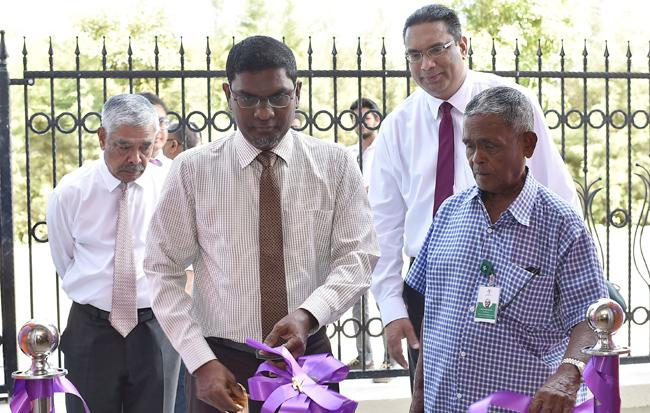 Dignitaries at the opening of the new branch (from left) Hussain Afeef, Chairman of CBM, Hon. Ahmed Naseer, Governor of the Maldives Monetary Authority, Dilan Rajapakse, Managing Director/Chief Executive Officer of Commercial Bank of Maldives and Mr Mohamed Moosa, Director of Tree Top Investments