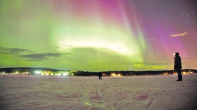 Northern Lights over Torne River,  Photo: Kristian Mattiasson (Pix courtesy:wwww.icehotel.com)