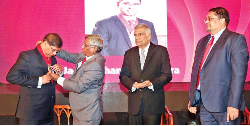 Outgoing President Lasantha Wickremasinghe formally inducts  Jagath Perera as the 24th President of CA Sri Lanka in the presence of Prime Minister Ranil Wickremesinghe and the institute's Vice President Manil Jayesinghe.