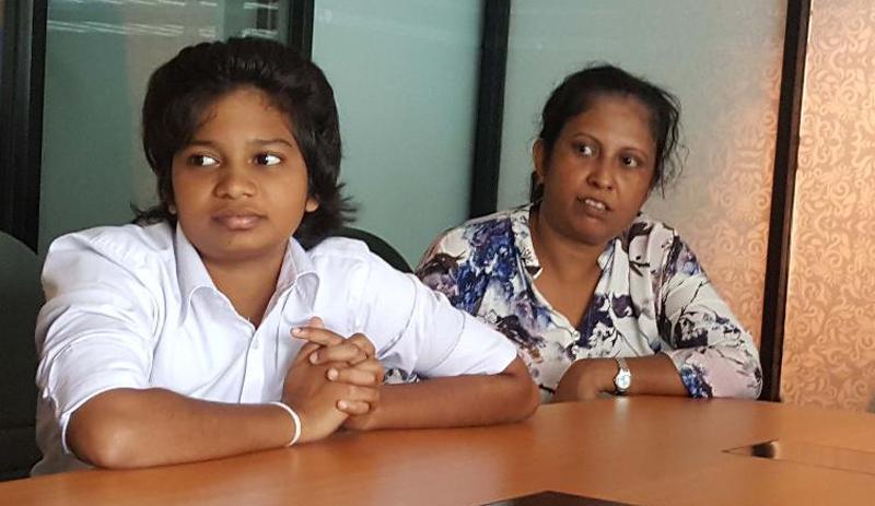 Vihangi Sashenka(left) with her mother