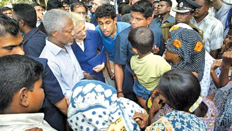 Picture of Kofi Annan at a makeshift camp for those affected by the  tsunami in Trincomalee on January 8, 2005.