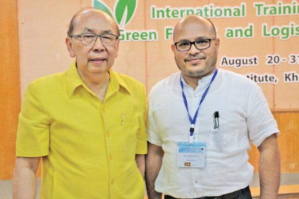 Founder of Mekong Institute Prof. Vanchai Vatanssapt with Deputy Chief Manager, Communication and Public Relation, Sri Lanka Ports Authority, Chitral Jayawarna.