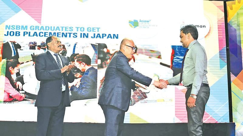Presentation of letters of appointment for job opportunities in Japan