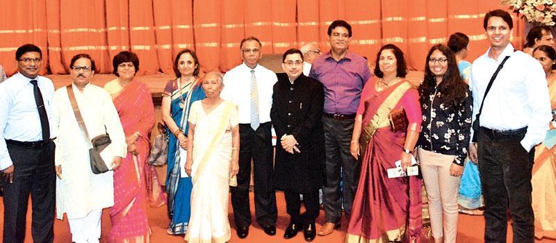 Anula de Silva (5th from left) with Founder of Stree Shakti, Rakha Mody and President of Stree Shakti, Dr. Arati Sexena, Vice Chancellor of the Ruhuna University, Prof Gamini Senanayake and other invitees after the award ceremony