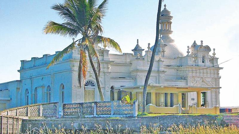 Ketchchimalai: The ancient mosque rising above the ocean