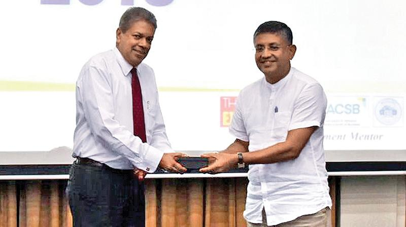 Director and Chairman of the Board of Management of PIM and patron of PIM Genesis, Prof. Ajantha S. Dharmasiri with the chief guest Siddhalepa MD, Asoka Hettigoda.