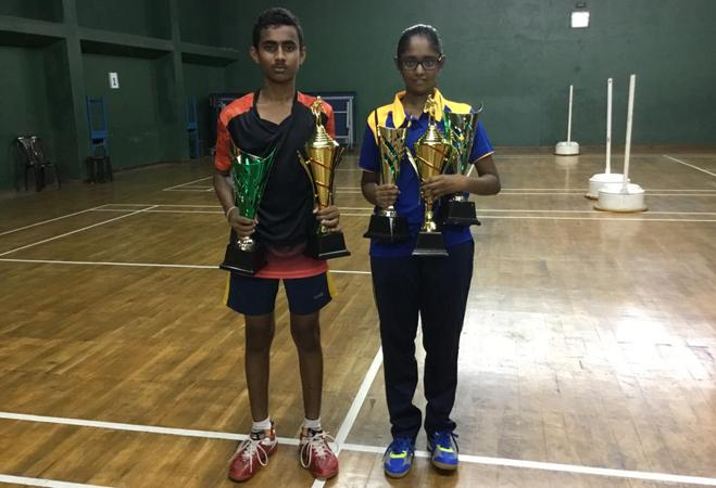 Sithum (left) and Ranudhi with their trophies