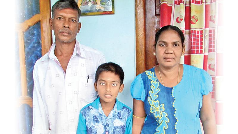 Seenu with his parents Sivalingam and Jayanthini