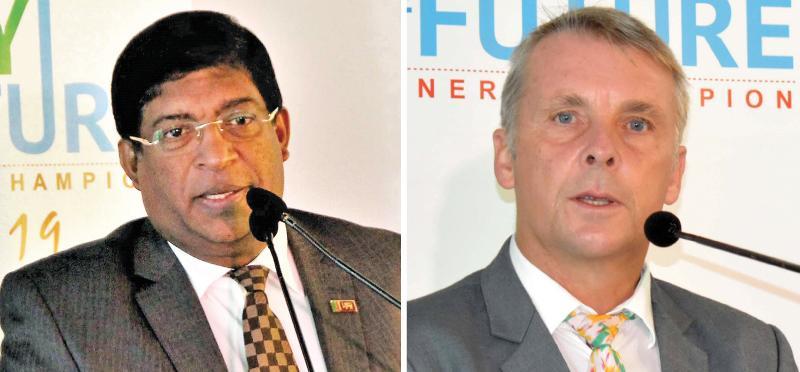 Minister Ravi Karunanayake and  German Ambassador Jörn Rohde  Pix: Chaminda Niroshana