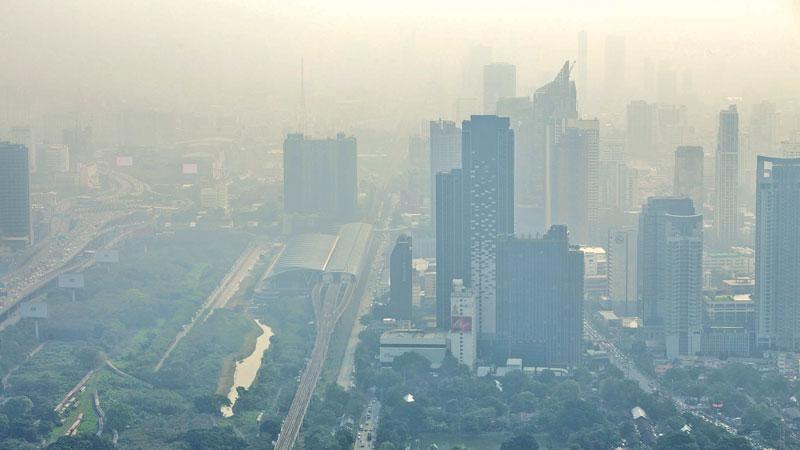 Haze envelopes Bangkok