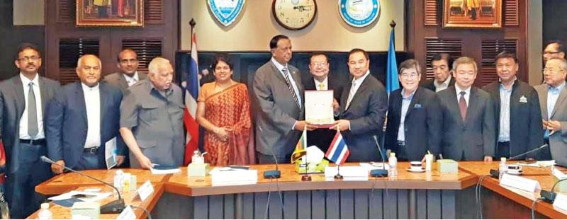 Minister John Amaratunga meeting with Executive Committee of the Thai Chamber of Commerce headed by its President, Kalin Sarasin