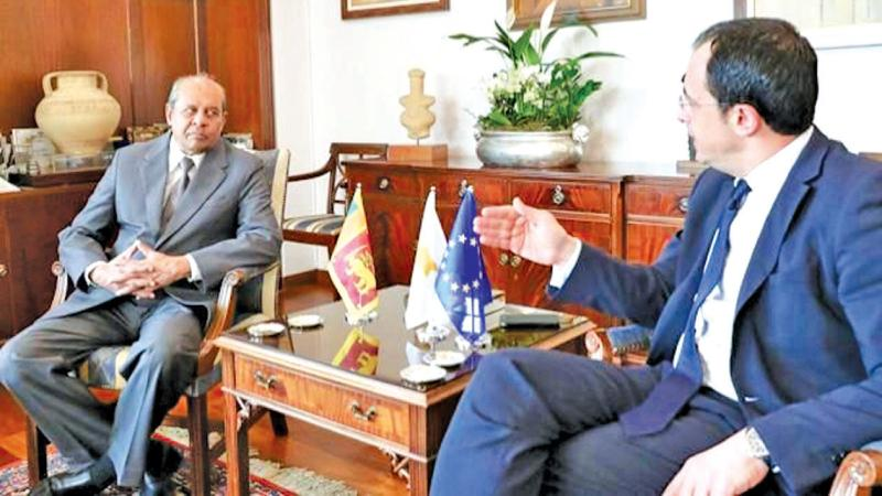 Foreign Minister Tilak Marapana and his Cypriot counterpart Nikos Christodoulides at the discussion