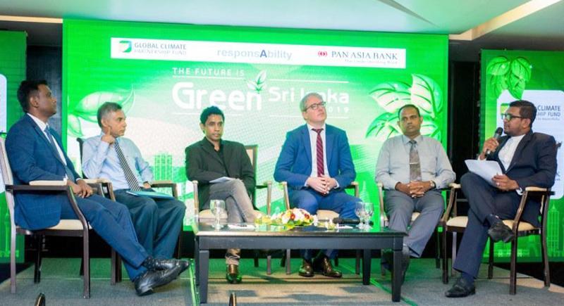 Panel discussion: From left - Energy specialist, GCPF, Sathish Dhanapal, Senior Lecturer, UoM, Dr. Thusith Sugathapala, Senior Lecturer Dr. Milinda Pathiraja, Head Green Lending, GCPF, Luke Franson, Representative, Sri Lanka Sustainable Banking Initiative, Hemantha Seneviratna and Presenter Mahesh Senannayake.