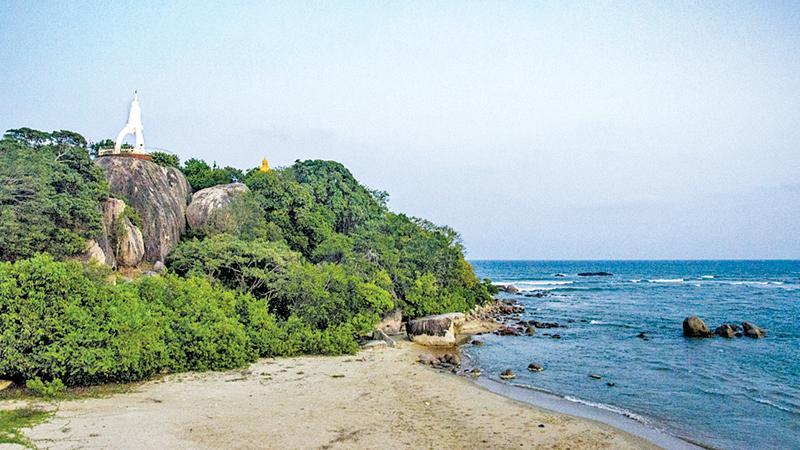 HISTORIC PLACE: The dagoba at the Samudragiri Viharaya of Lanka Patuna