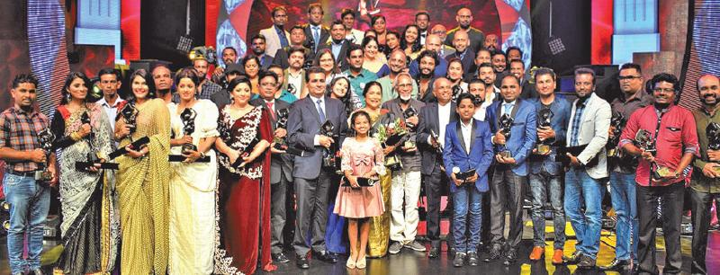 The group photo of all the award winners.