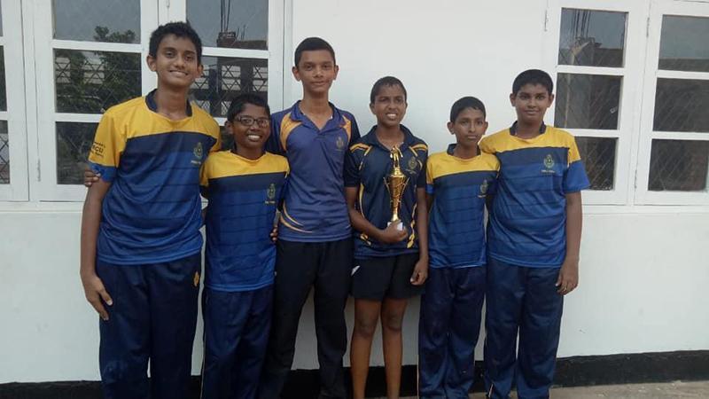 Under-17 team – Thisas Ranchagoda, Athief Rusthi, Vinuka Gunawardena, Thumal Adikari, Maneth Karunasena and Sandin Methmal