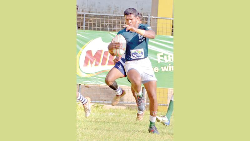 Isipathana winger Ramitha de Silva races for the try line  Pic Saman Mendis