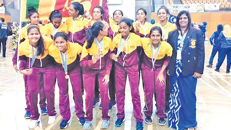 The Sri Lanka youth netball team comprising Tharushi Illangaratne (Captain Melani Wijesinghe, Dilani Perera, Vishmika Ratnayake, Aneesha Perera, Kavindi Randima Perera, Imasha Perera, Dimithri Guniyangoda, Ganya Senanayake, Dewana Randeni, Sajini Ratnayake and Kushalika Aluvihare along with coach Kumari Gamage