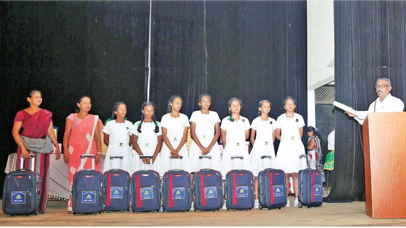 Gymnastic students with their bags. (Pix: Malan Karunarathne)