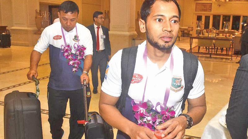 Bangladesh cricketer Mushfiqur Rahim arrives with the team