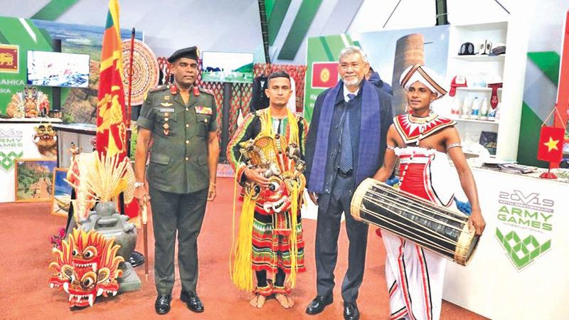 Army Commander Mahesh Senanayake and Sri Lanka's Ambassador to Russia Dr. Dayan Jayatilleka with members of the Army dance troupe