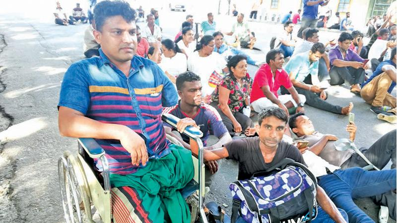 Protesting disabled soldiers in Colombo Fort