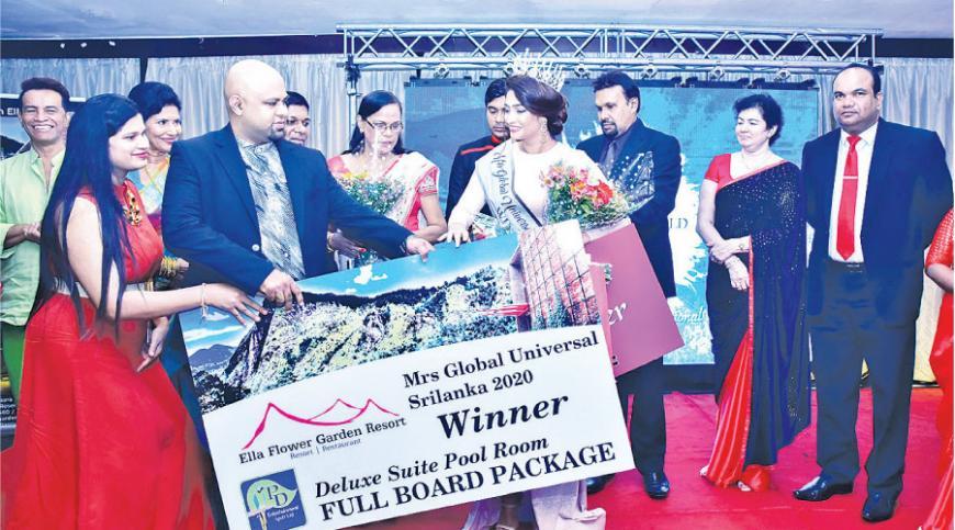 From Left to Right Winner of Young Beauty of Sri Lanka 2019 - Shahashra Rashmi, Winner of Mrs Global Universal Sri Lanka 2020 - Tania Meliza, Winner of Mrs Ocean World Sri Lanka 2019 - Yashmi Walakadawatta with  Dr. Prasad Deshapriya at the event. Pictures by Reshan Perera