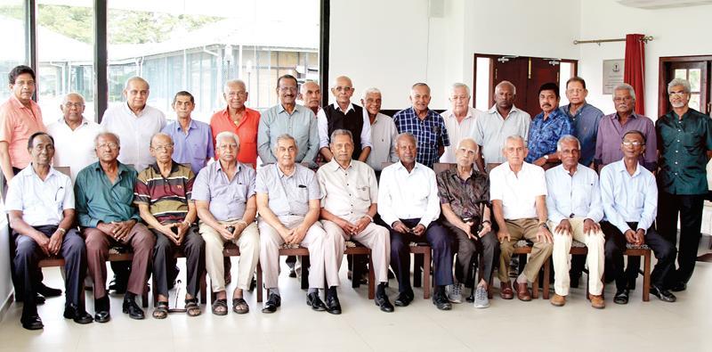 Seated from left: Muttiah Devaraj, HSM Peiris, Neil Perera (ex-SLCsecretary), HIK Fernando, Anuruddha Polonnowita, Stanley Jayasinghe, ACM Lafir, TB Kehelgamuwa, Michael Tissera, Mano Ponniah and Daya Sahabandu. Standing from left: Ajith de Silva, Sriyantha Rajapakse, Lalith Kaluperuma, Nihal Kodithuwakku, BWR Thomas, Jayantha Seneviratne, Ranjan Gunatillake, KM Nelson, Ranjith Fernando, Anura Tennakoon, David Heyn, Keerthi Gunaratne, Bandula Warnapura, Brian Obeysekera, Roy Dias and Mahesh Gunatillake