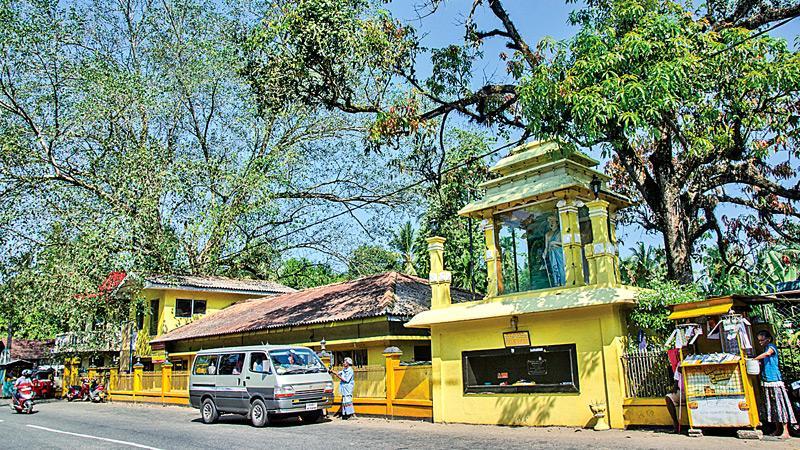 DEVOTIONAL FAITH: Ranwaladeve Sri Maha Viharaya, Hingurala in Puwakpitiya