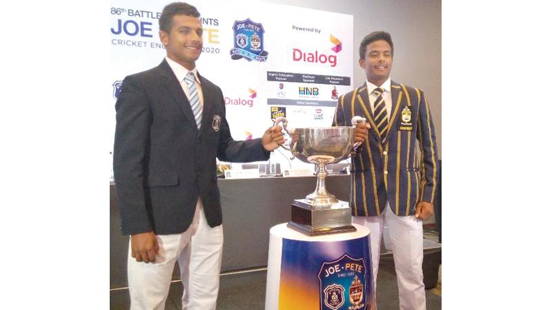 The two captains Johanne de Zilwa (St. Joseph's College) and Shannon Fernando (St. Peter's College).