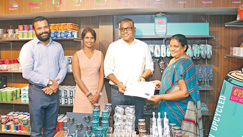 From left: Merchandise Manager, Odel, Haritha Jayaweera, Divisional Merchandise Manager, Odel, Chandani Ranaweera, Head of Buying Division, Odel, Thilina Dassanayaka and Director, Solid Waste Management, Central Environment Authority, Mrs. Sarojini Jayasekera.