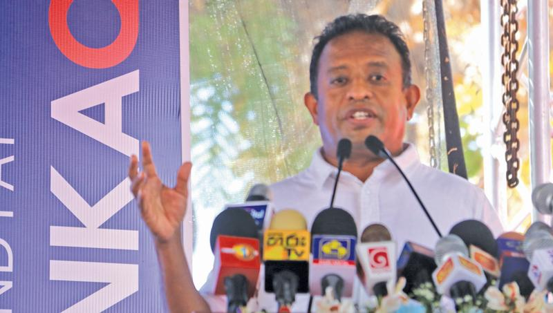 MP Chandima Weerakkody at the LankaQR promotion in Galle